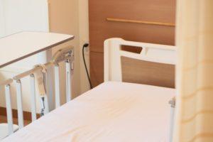 病室のベッドのイメージ
